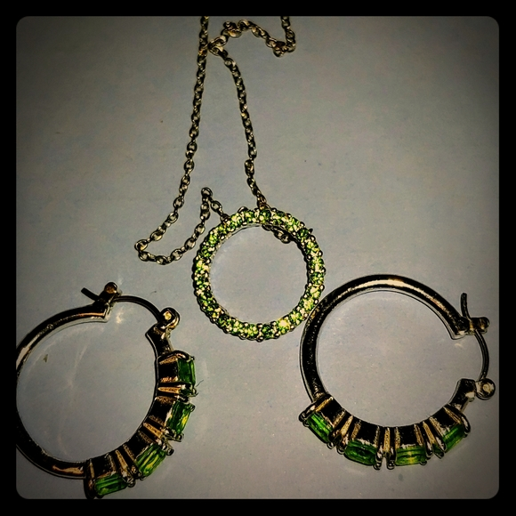 Avon Jewelry - Green Necklace and Earrings set